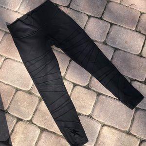 Lululemon yoga pants/mesh cut outs size 8